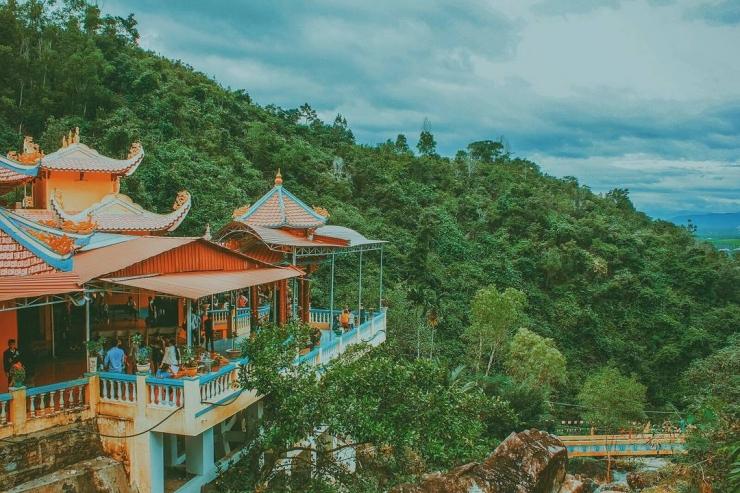 Một phong cảnh khác ở chùa Suối Đổ Nha Trang
