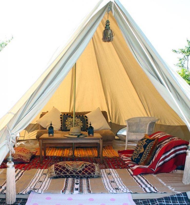 Giá thuê một chiếc lều chỉ khoảng từ 150 000 đến 200 000/ngày