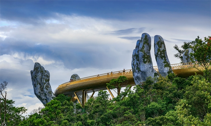 Cây cầu vàng nhìn từ góc độ khác