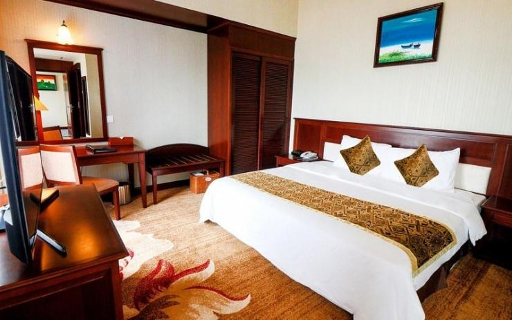 Không gian phòng ngủ của khách sạn Sài Gòn Quy Nhơn