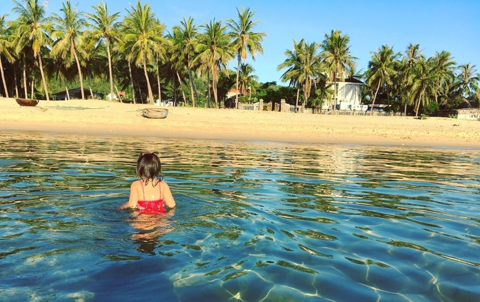 Biển Bình Sa trên vịnh Xuân Đài Phú Yên