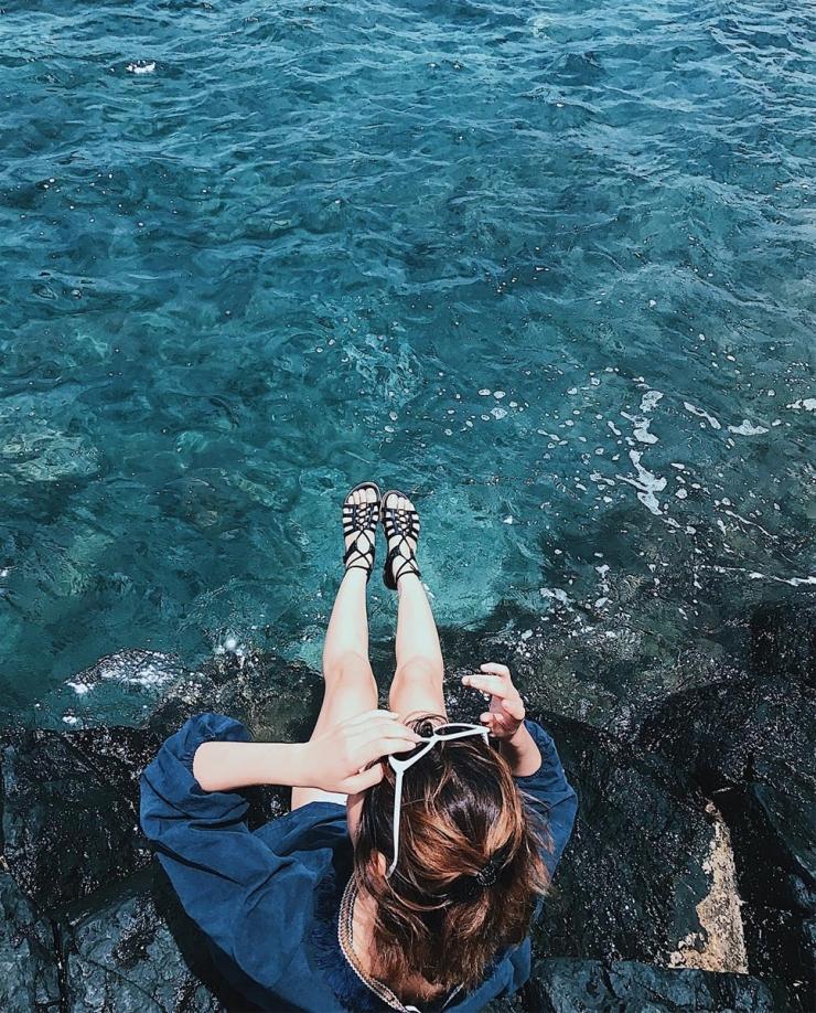 Chụp hình checkin tại Gành đá đĩa Phú Yên