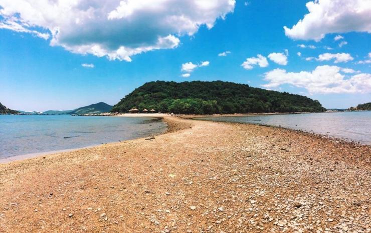 Nhất Tự Sơn Phú Yên, điểm tham quan trên vịnh Xuân Đài được nhiều người yêu thích