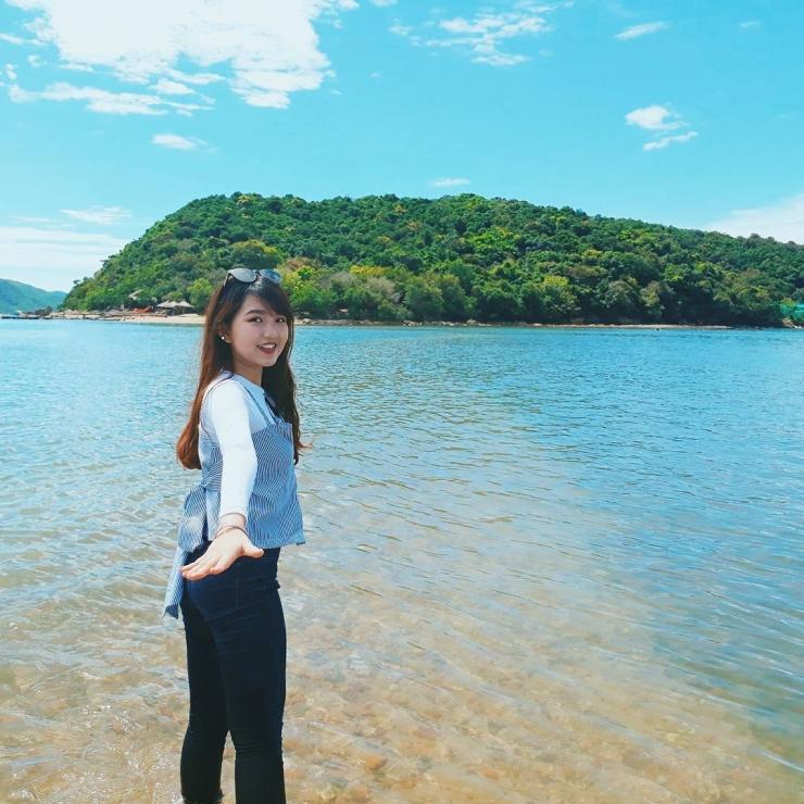 Chụp hình tại Nhất Tự Sơn Phú Yên