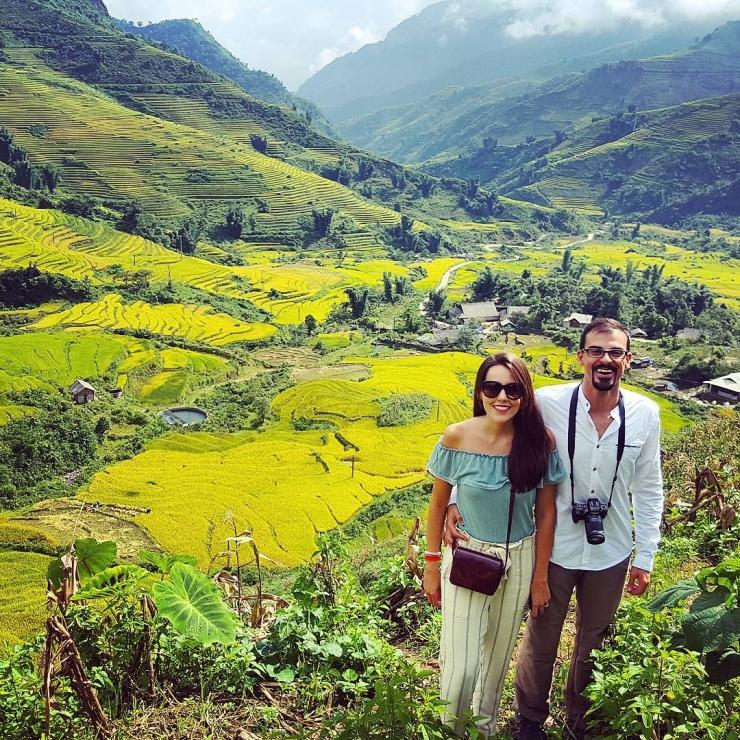 Khách nước ngoài khá thích thú khi được ngắm nhìn những thửa ruộng tuyệt đẹp khi Sapa vào mùa lúa chín