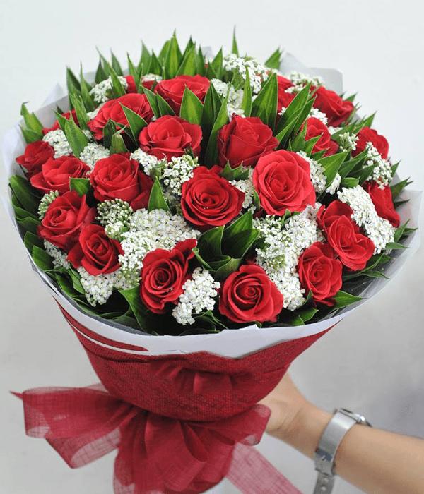 Bạn có thể mua một bó hoa hồng thật đẹp để tặng mẹ vào ngày Trung thu