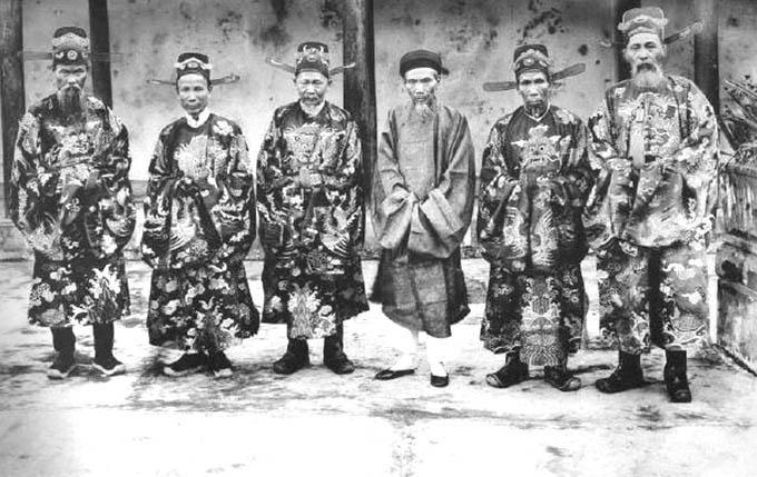 Họ Nguyễn chiếm đa số tại Việt Nam (khoảng 38.4 % dân số họ Nguyễn)