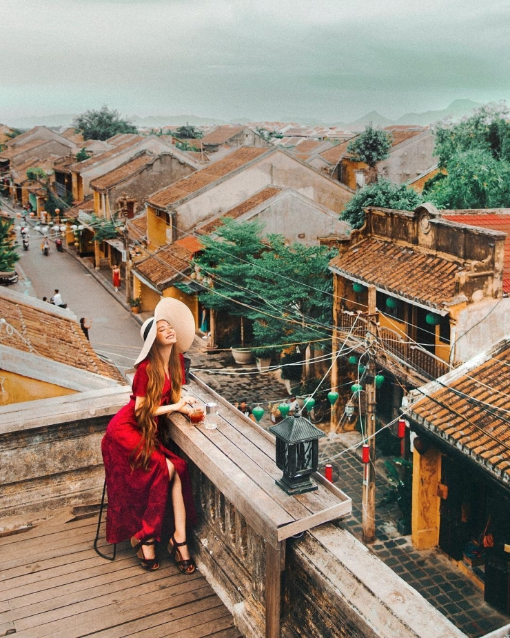 Chụp hình tại phố cổ Hội An