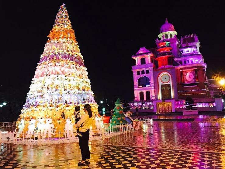 Đà Nẵng được trang trí lộng lẫy khi giáng sinh đến