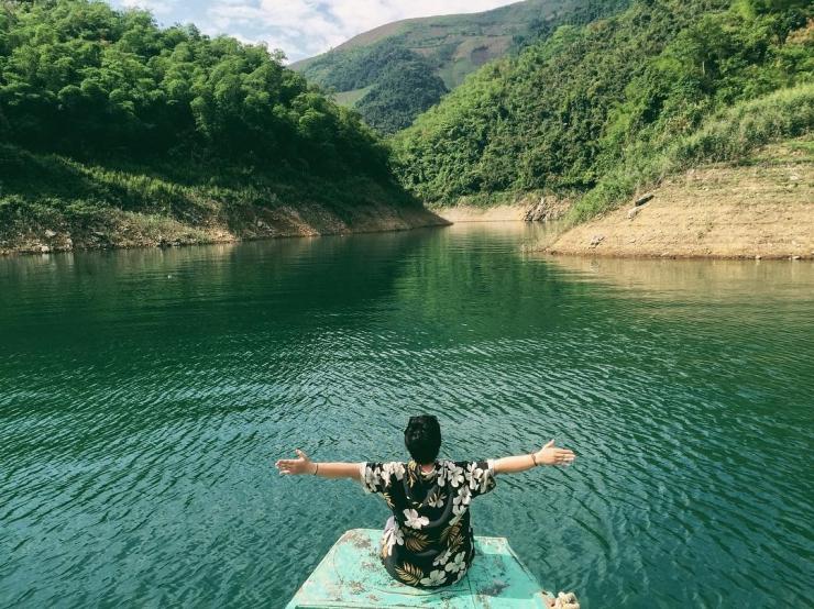 Cảnh sắc đẹp mê hồn của Thung Nai qua ống kính máy ảnh