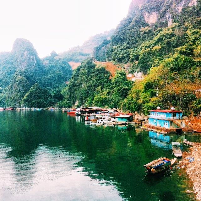 Mây núi hòa quyện - Cảnh đẹp khó cưỡng ở Thung Nai Hòa Bình