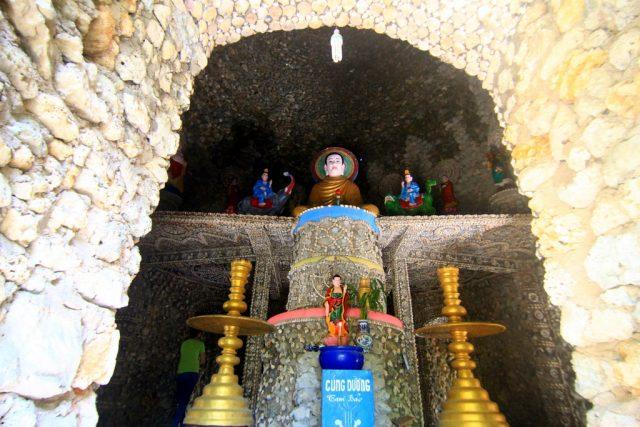 Nơi thờ phật tổ trong tháp