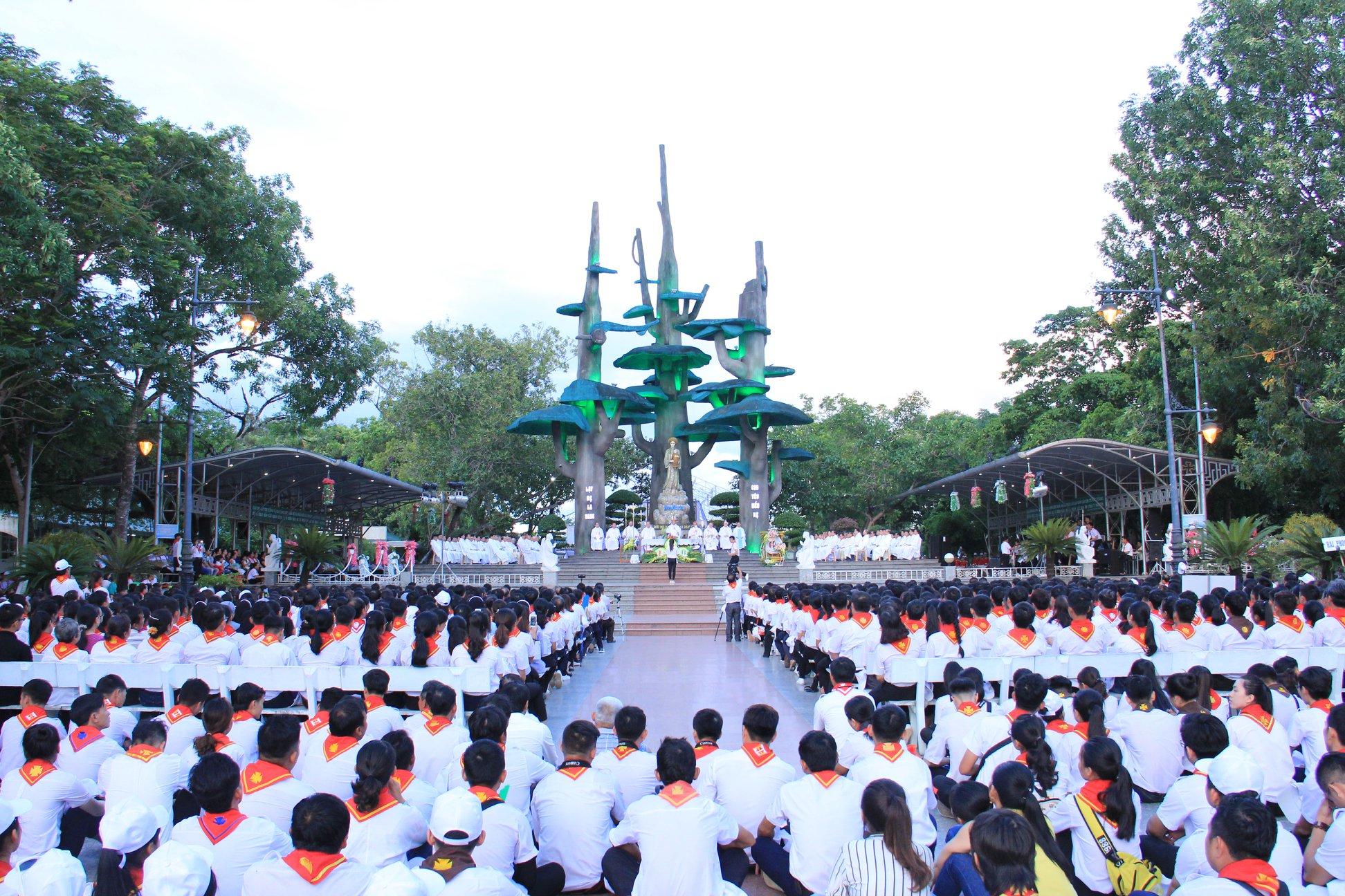 Đại hội tại thánh địa 2