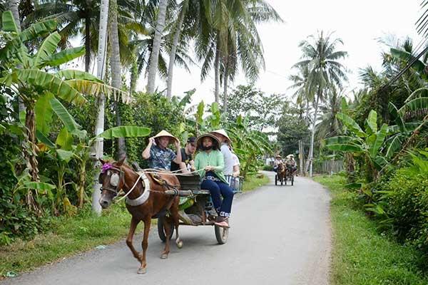 Đi xe ngựa ở miền Tây