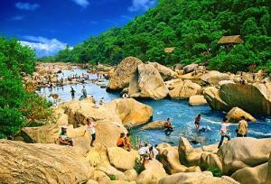 Tour du lịch Quy Nhơn - KDL Hầm Hô - Đảo Hòn Khô  3 ngày 3 đêm