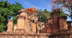 Tháp Bà Ponanar – địa điểm không nên bỏ qua khi đi du lịch Nha Trang Tết 2017