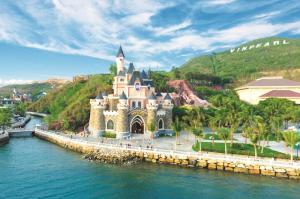 Tour du lịch Nha Trang 4N3Đ: Diamond Bay -  Vinpearl Land