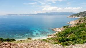 Vịnh Vĩnh Hy - điểm đên du lịch thơ mộng mùa hè này