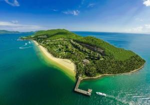 Đại dương bao la muôn màu sắc của Đảo Hòn Mun Nha Trang