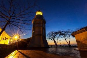 Ngọn hải đăng Vũng Tàu lung linh giữa thành phố biển