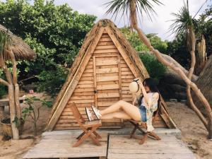 Ở Việt Nam có điểm du lịch ngủ lều ven biển nào đẹp nhất?