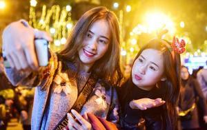 Điểm danh những địa điểm đón Noel rực rỡ ở Việt Nam